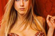 15 Sweet Jennifer Aniston Finds - From Red Holiday Fashion to Playful Celebtography