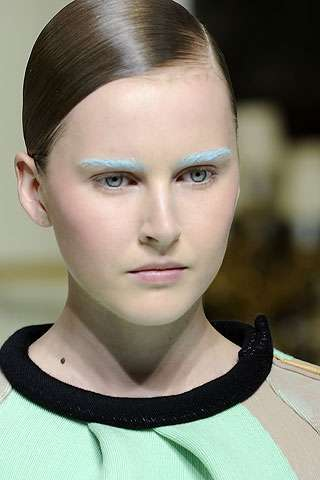 Pastel Eyebrows - Pastel Brow Colors Emerge at Balenciaga Fall