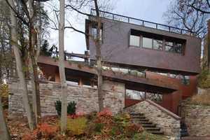 The Ellis Park House Defies That Little Foe Known as Gravity