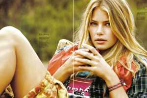 'Yes We Camp' in Elle Italia Heads Out of the City for Fashion Fun