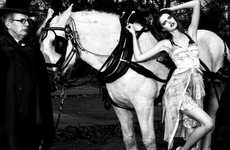 Horse-Drawn Photo Spreads - 'Desnuda por Central Park' in Vogue Espana is Luxurious