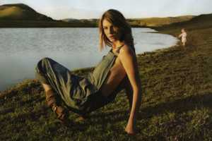 'Big Country' in Elle US May 2010 is All About Fashionable Vintag
