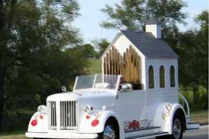 Best Man Mobile Wedding Chappel is Designed for Marriages on the Go