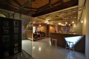 Muzeum Sztuki Cafe Adds Comfort to Your Daily Cafe Trips