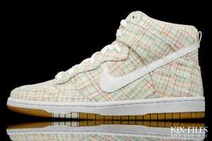 Nike 'WMNS Dunk High Skinny' Kicks Are for Fierce Women