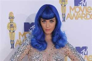 Katy Perry's Blue Wig at the MTV Movie Awards is Show-Stopping