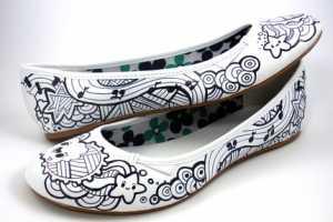 Acrylicana Hand-Paints Your Garments