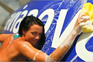 New Avianova Commercial Shows Girls in Bikinis Cleaning Dirty Planes