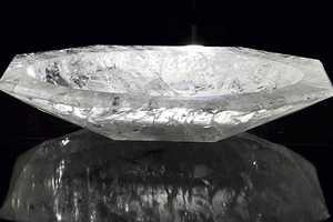 The Baldi Rock Crystal Bathtub Offers a Luxurious Escape