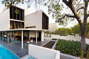 The Verdant Avenue House by Robert Mills Architects is a Masterpiece