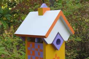 Richard T Banks Creates Realistic Architectural Birdhouses
