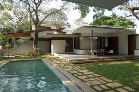 Vastu House by Khosla Associates