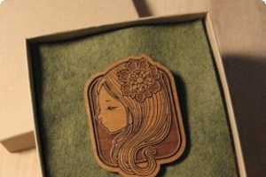 Audrey Kawasaki Creates Exclusive Brooches Made of Wood