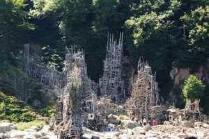 Lars Vilks Creates Nimis, a Maze-Like Driftwood Structure