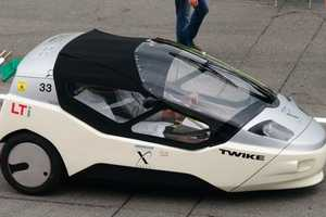 The TW4XP Car Uses Both Electricity and Human Power