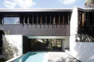 The 'Point Perry Beach House' by Owen and Vokes Architects