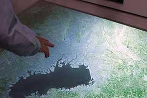 Hitachi's Futuristic Interface Channels Minority Report