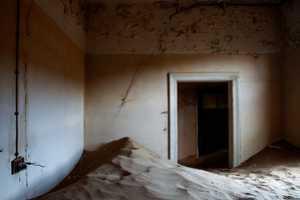 Alvaro Sanchez-Montanes Photographs Indoor Deserts in Namib