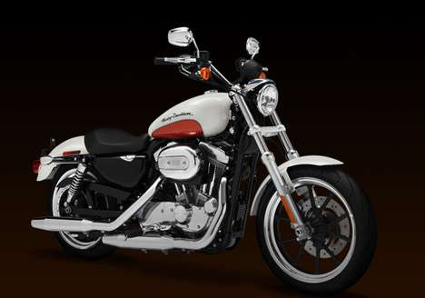 Comfort-Oriented Motorbikes  - The 2011 Harley Davidson SuperLow is Stylish and Smooth