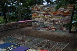 'Jardin de la Connaissance' Uses Literature to Create Amazing Art