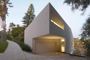 The Modern Hill House in California is Perched and Atypical