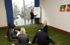 Grassy Meeting Spaces - The Crowne Plaza Hotel Offers 'Living Grass Floors' to Spark Cre