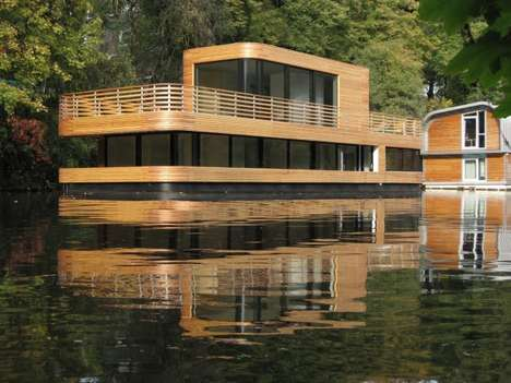 Houseboat on the Eilbekkanal by Rost Niderehe Architects