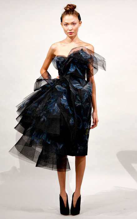 Architectural Evening Wear - The Marchesa Spring Line Puts a New Twist on Gowns