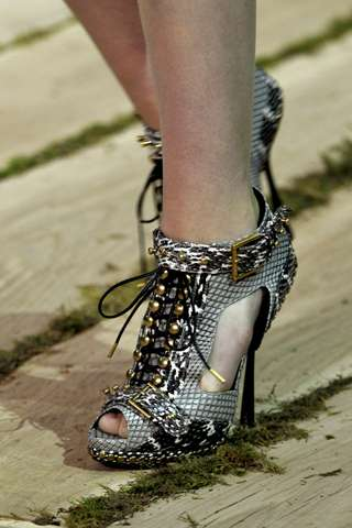 Alexander McQueen Spring 2011 Shoes 4