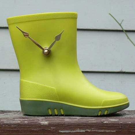 tiny green boot clock