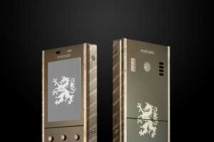 The 105 Damascus Mobile Phone is Crafted from Gigantic Sapphires