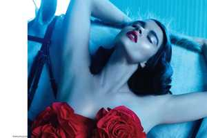 This Elle Canada Crystal Renn December Issue is Sensually Gorgeous