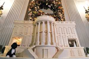 The Delectable White House Gingerbread House