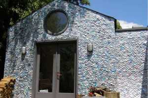 Richard Van Os Keuls Covers His Home in Aluminum Cans