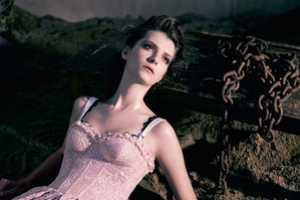 Natalia Shueroff Poses for Essenciale Spring 2011 Campaign