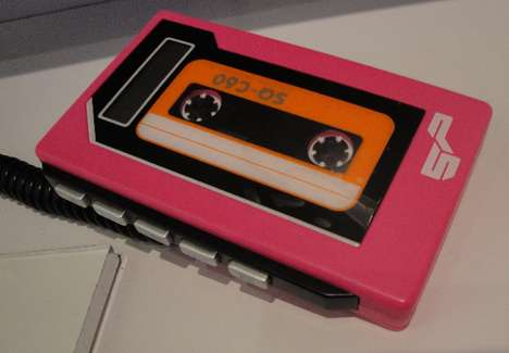 Funky Retro Music Players - The Spitfire MP3 Player a Hit at the Wired Store 'Regal Remix'