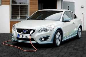 The Volvo C30 Gets a Facelift for the Future