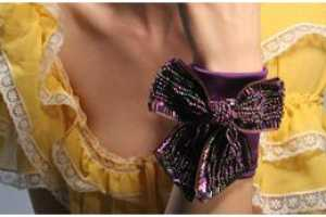 Cuffs Couture Stylishly Keeps Valuables Safe Without a Bag