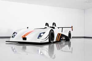 The Caterham-Lola SP/300.R is Pure Perfection
