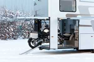 The Vario Alkoven 950 is the Ultimate Home on Wheels