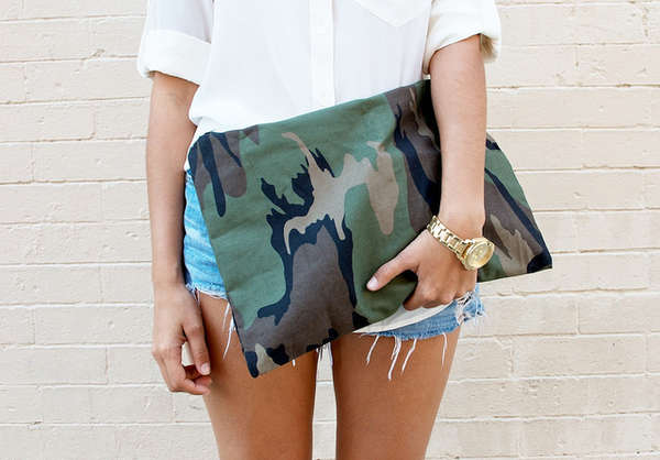 'a pair and a spare' DIY Camo Clutch