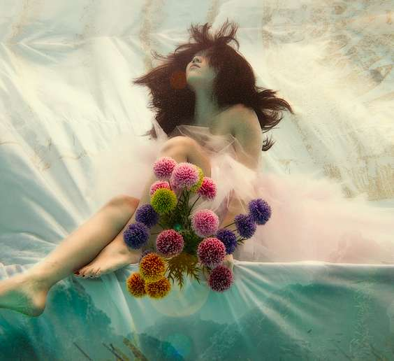 Submerged Bride Photography