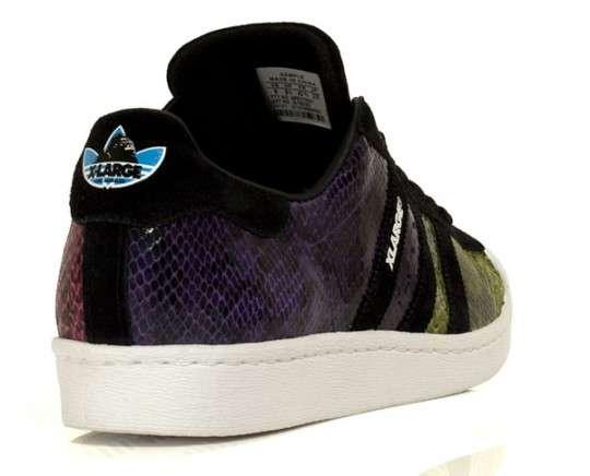 Chameleon Kicks