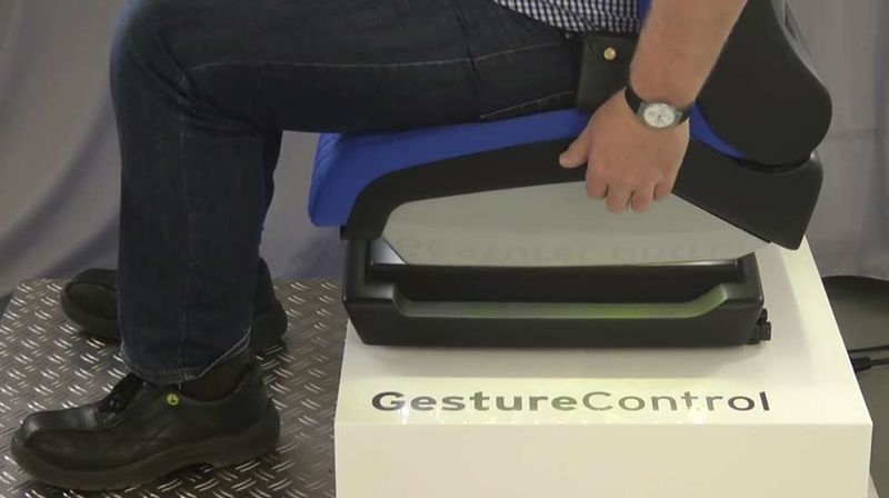 Gesture-Controlled Car Seats