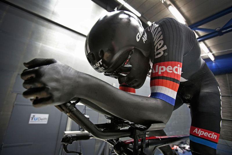 Aerodynamic Cycling Bodysuits