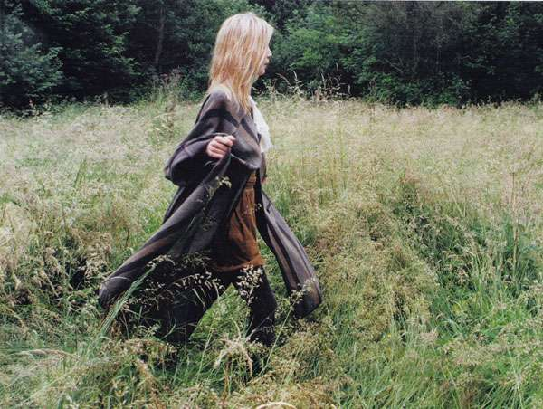 Field-Frolicking Photoshoots