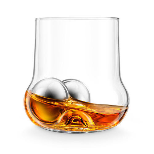Swirl-Encouraging Whiskey Glasses