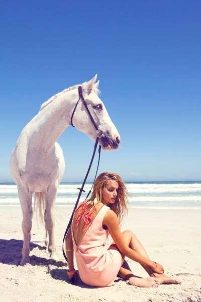 Sunny Seaside Goddess Photoshoots