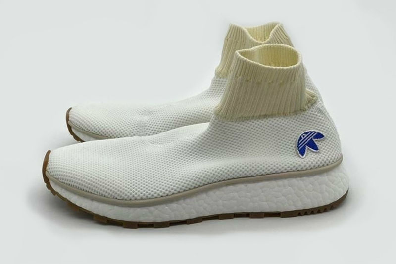 Lightweight Laceless Sneakers