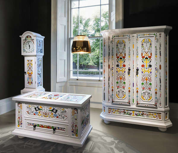 Colorfully hand painted furniture altdeutsche collection for Decor art mobili prezzi